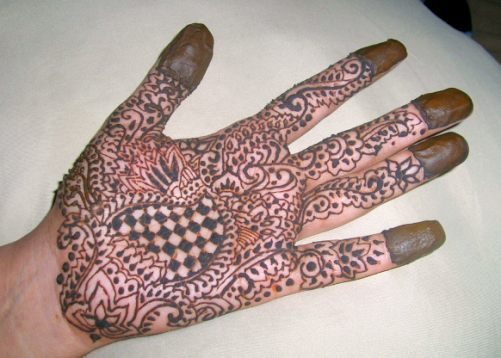 Intricate Henna Designs - A Cool Summer Alternative