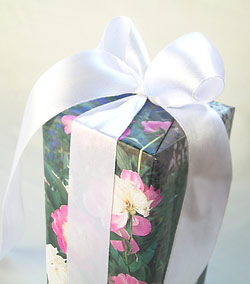 Roses, Satin & Love - Recycle Old Magazines with Interesting Themes for Gifting