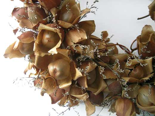 Dried Woodroses and Limoneum Flowers - Detail of the Christmas Wreath